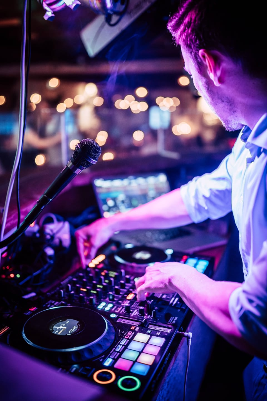 DJ JulesTonic Event und Hochzeits- DJ